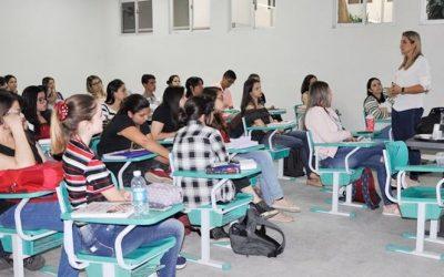 Palestra destaca atuação dos conselhos de Farmácia e desafios para a atuação do profissional da área